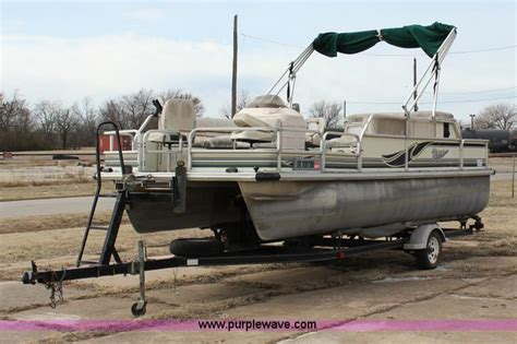 front of pontoon boat sinking 2000 voyager vs21 pontoon boat no reserve auction on