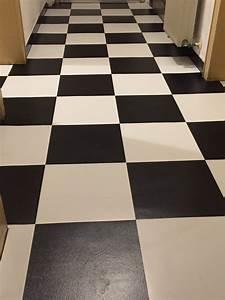 Fußboden Fliesen Verlegen : vinyl paneele selbstklebend jo71 hitoiro ~ Sanjose-hotels-ca.com Haus und Dekorationen