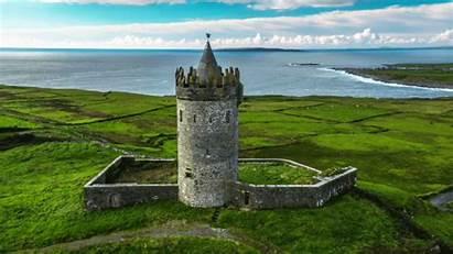 Ireland Travel Travellers