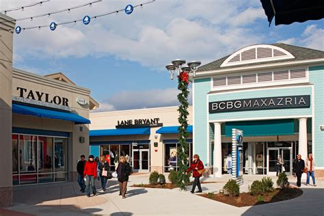 about jersey shore premium outlets 174 a shopping center in tinton falls nj a simon property
