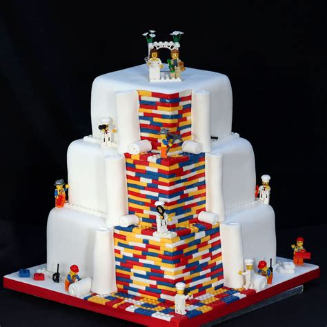 beautiful wedding cake ideas   weddingplannercouk
