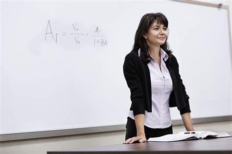 teachers  wear   classroom