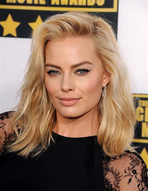 Margot Robbie Hair and Makeup at Critics' Choice Awards