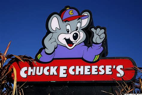 Could Chuck E. Cheese Buck the Restaurant Trend? - TheStreet