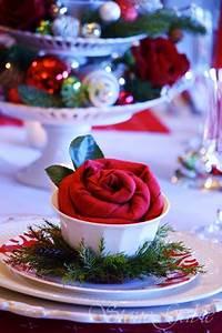 Serviette De Table Blanche : pliage serviette no l forme fleur dans coupelle blanche ~ Teatrodelosmanantiales.com Idées de Décoration