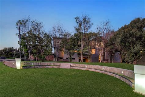 place  peace south africa luxury homes mansions  sale luxury portfolio