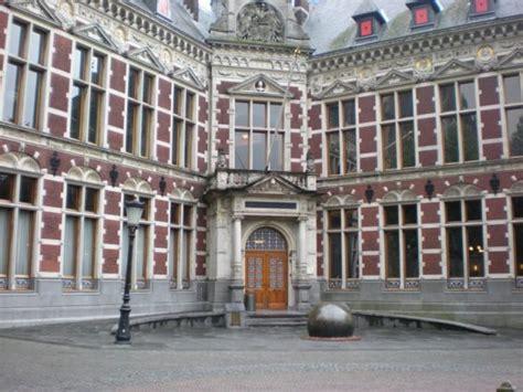 dutch student hopefuls   disadvantaged  english madness dutchnewsnl