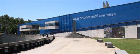 location chambre d hotel au mois visites de musées d arles office de tourisme d 39 arles
