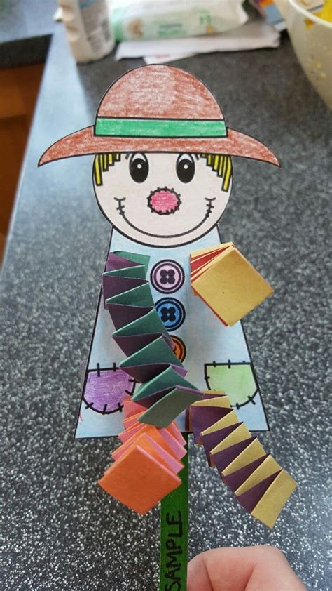 dingle dangle scarecrow craft for preschoolers school 308 | 48875c0640077c5c508da9688f057d35