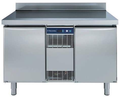 nettoyage de hotte de cuisine de restaurant table réfrigérée frigotherm