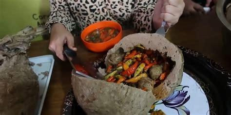 waduh bakso rusuk joss  makannya  pakai golok lho