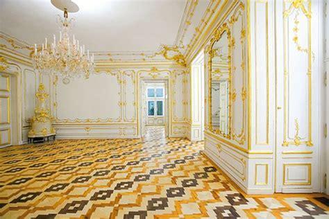 white  gold rooms schoenbrunn