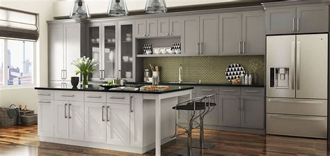 Shaker Style Kitchen, Straight Line Kitchen with Island