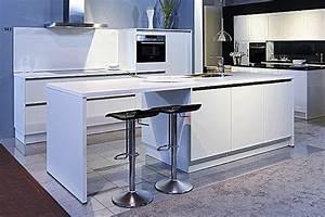 Schöne Küchen Bilder : sch ller musterk che sch ne k che mit insell sung ~ Michelbontemps.com Haus und Dekorationen