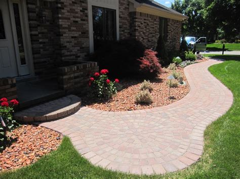 front yard walkway 28 best images about front sidewalk on pinterest paver