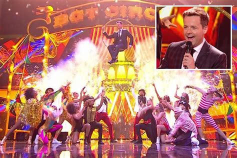 Declan Donnelly makes spectacular solo entrance to Britain ...