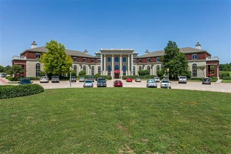 Prominent Office Park to be Sold in Online Auction