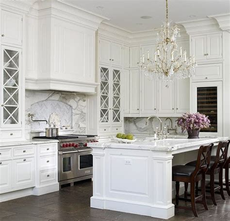 elegant white kitchen cabinets a touch of southern grace i 39 m dreaming of a white kitchen