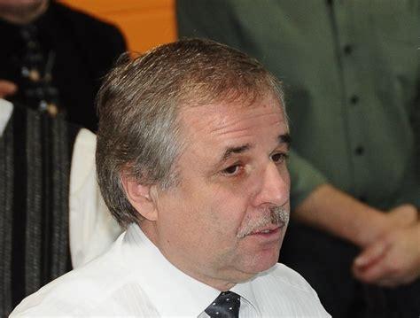 Zaharjins sniedz liecību policijā; viņa pārstāvis sīkāku ...