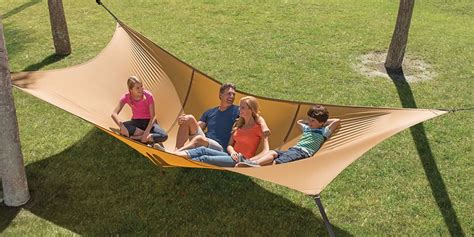 Hammock That Holds 500 Lbs by Hammacher Schlemmer S Hammock Can Hold 1 100 Pounds