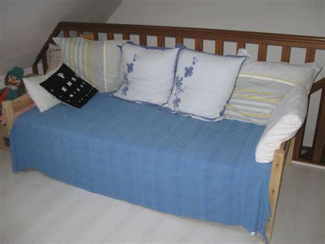 transformer lit en canapé transformer un lit en banquette meuble de salon contemporain