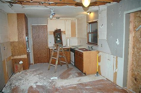 how does it take to install granite countertops