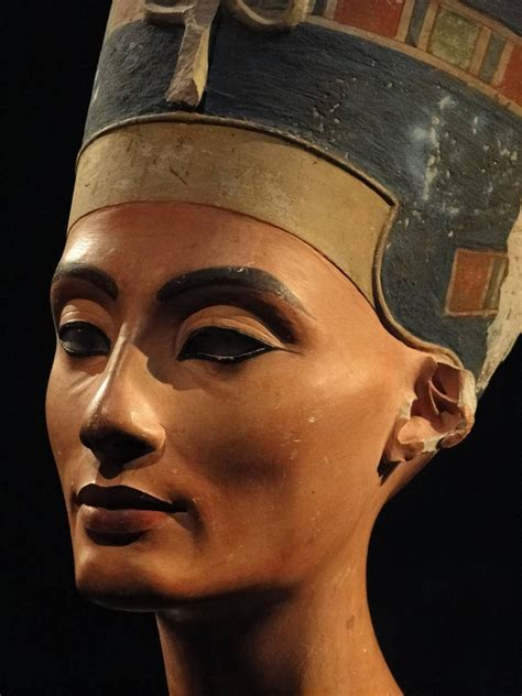 what is a nefertiti