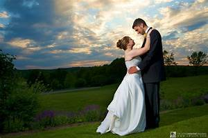 3 popular styles of wedding photography living off tips With wedding photojournalism style