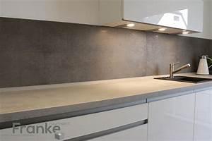 Arbeitsplatte Küche Beton : gro formatige fliesen in einer gewachsten betonoptik hier ~ Watch28wear.com Haus und Dekorationen