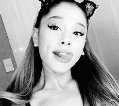 Ariana Grande - animated gif #4092402 by helena888 on ...