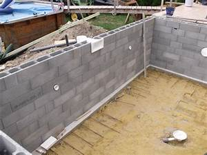 elevation parpaing blocs a bancher With comment fabriquer une piscine en beton 3 le banchage des blocs de la piscine
