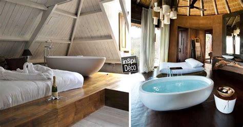 baignoire dans chambre une baignoire dans la chambre à coucher 26 exemples
