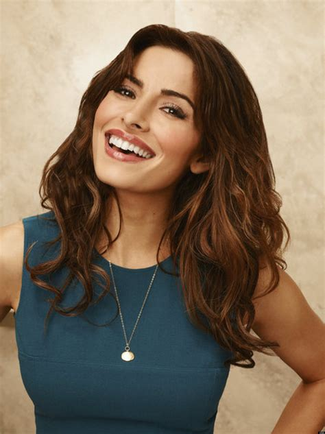 actress kate reid sarah shahi joins chicago fire and more casting news