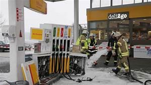 Shell Tankstelle München : unfall in puchheim auto kracht in zapfs ule der shell tankstelle region ~ Eleganceandgraceweddings.com Haus und Dekorationen