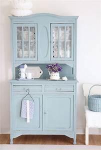 Möbel Streichen Vintage : vintage k chenbuffet in hellblau gestrichen f r eine einrichtung im retrodesign antiker ~ Markanthonyermac.com Haus und Dekorationen