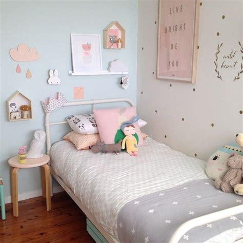 Kinderzimmer Mädchen Zwillinge by Deko F 252 R Kinderzimmer Punkte An Der Wand Kinderzimmer
