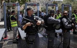 Amid tensions, scuffles break out at Temple Mount entrance ...