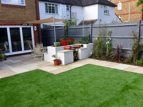 Small Patio Designs by Patio Designs For Small Gardens