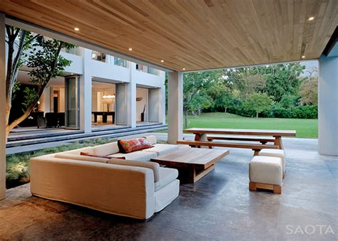 modern open house  south africa sees architecture