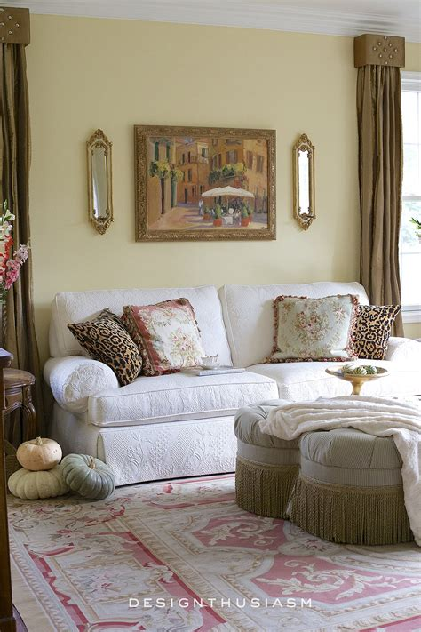 Adding To The Living Room by 12 Tips For Adding Fall Color To The Living Room Bhome Tour