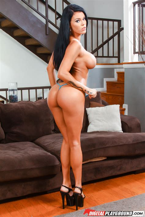 Gorgeous Brunette Is Available For Wild Sex Photos Peta