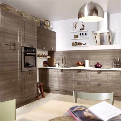 corniche pour cuisine meuble de cuisine décor chêne blanchi delinia karrey