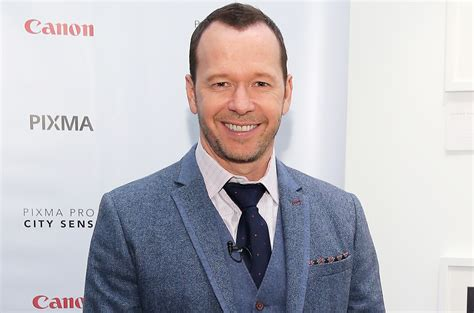 donnie wahlberg worth age wife height vincent sense sixth band siblings grey 1999 movie etc bio girlfriend salary