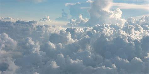awan cumolonimbus bisa sebabkan pesawat terbang