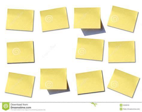 lpost or l post muur van post it stock foto afbeelding bestaande uit geel