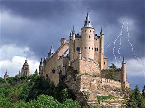 alkazar castle spain jigsaw puzzle jigzonecom