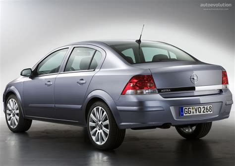 Opel Astra Sedan Specs & Photos