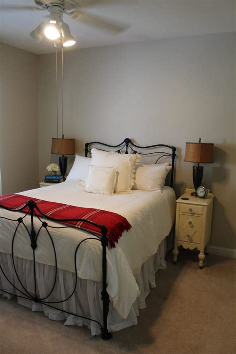 sherwin williams accessible beige  painted room