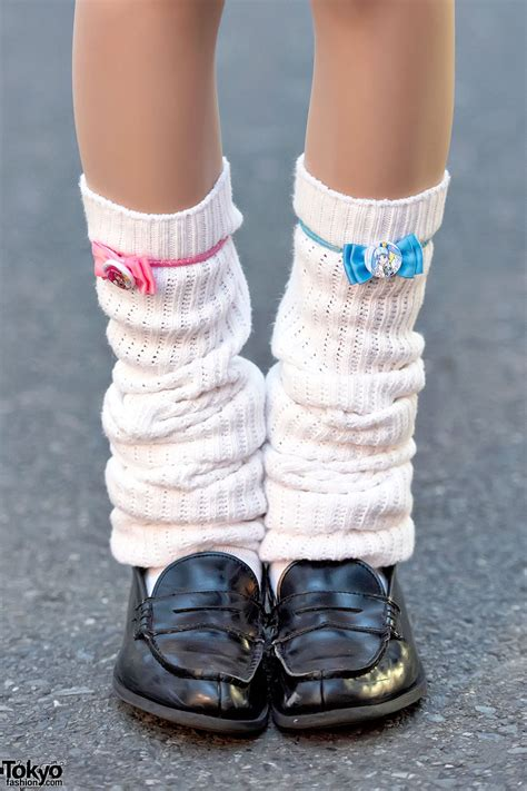 harajuku girls  twintails oversized sweatshirts loose socks cute accessories