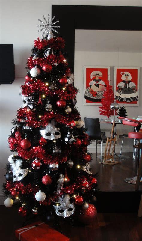 oh christmas tree oh christmas tree how lavishly